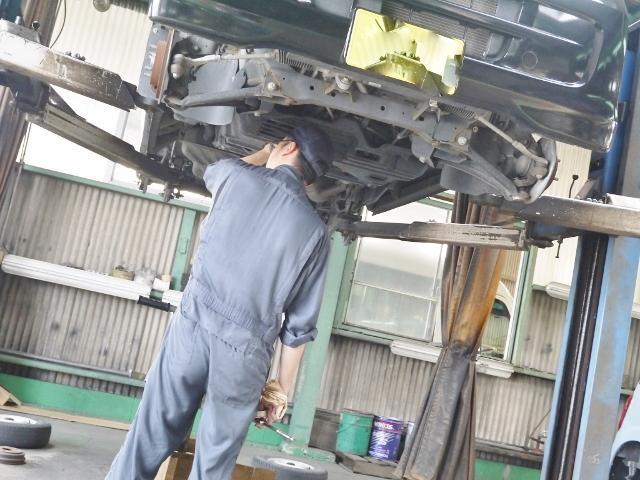 国家資格整備士が常駐しておりますので、お車の事なら何でもご相談下さい!