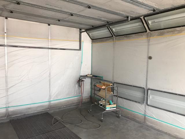 Garage Hiro 塗装ブース完備