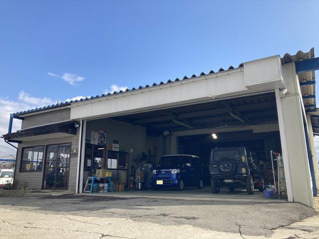 山形県南陽市での国産車や輸入車の板金塗装・板金修理・保険修理や全塗装、ラプター塗装、部品塗装は当店へ