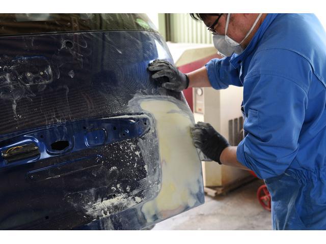 熟練の板金塗装の職人が仕上げます!