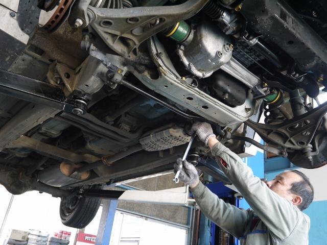 車検・修理・事故なんでも当店にお任せ下さい。