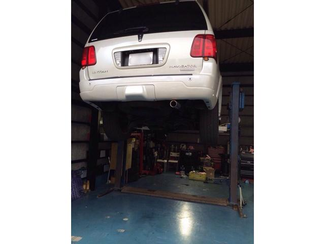 自社整備工場完備!軽自動車からフルサイズの車まで整備可能です!診断テスターも各種取り揃えております♪