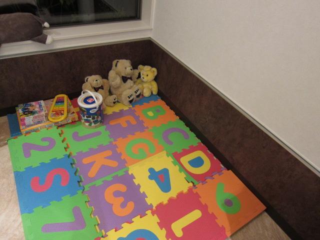 商談中にお子様が退屈しないようにキッズスペースを設置しました!