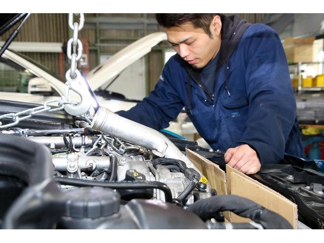 輸入車を知り尽くしたスタッフが、お車を徹底整備後に納車いたします!