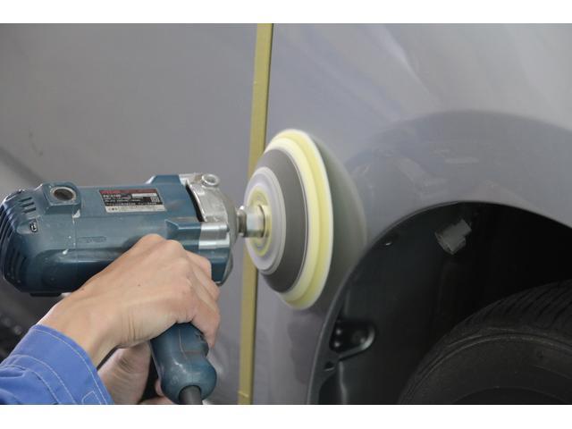 ブース内は用途に合わせて密閉し、ホコリを吸い出す設計なので、空気中のゴミや埃が塗装に紛れ込みません!