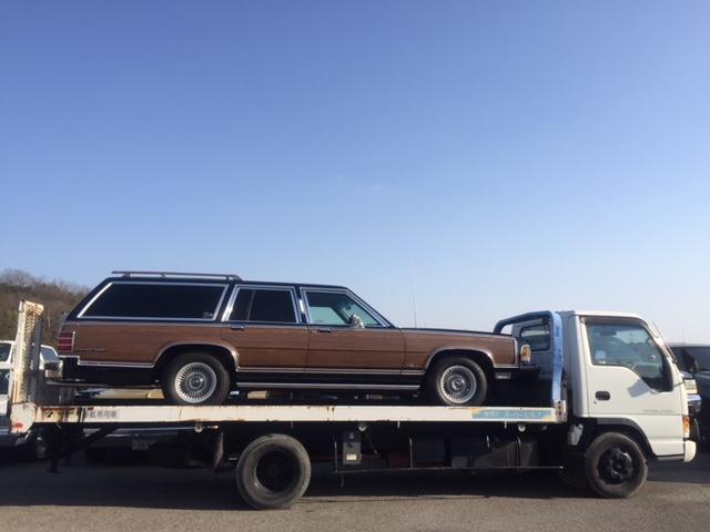 積載車完備。故障車の引き上げなど、お気軽にご相談ください。