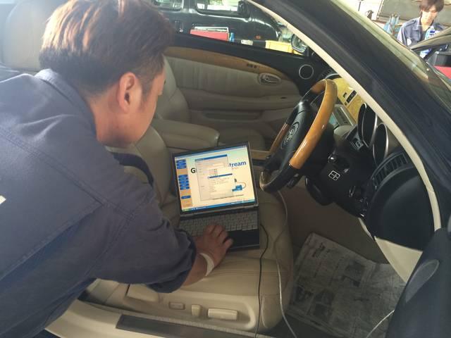 多くの車種が対応されているテスター完備!お車の異常をしっかり検知します。