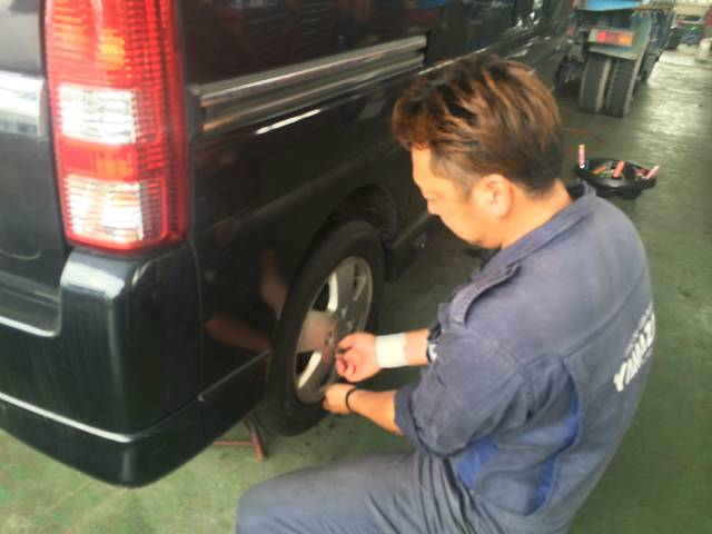 お客様のお車だから自分のことのように扱います!早く、そして安心できるお車に致しますよ。