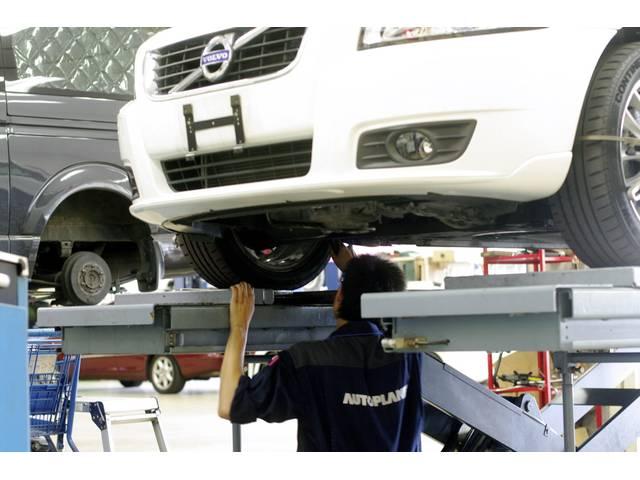 エンジン内部洗浄 スラッジナイザーはエンジン内部の汚れを取り除くことができるクリーニングサービスです