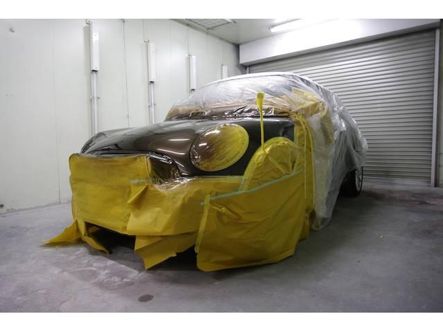 熟練されたスタッフが、愛車の傷や凹みを、自社工場にてワンストップで修繕致します。