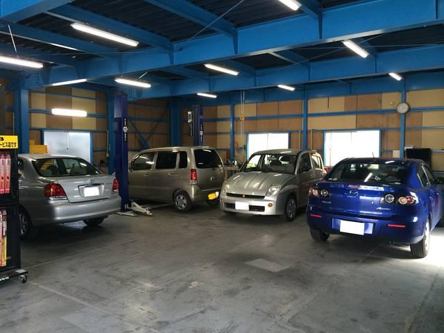 当店工場です。たくさんのお車をこちらで整備してきました
