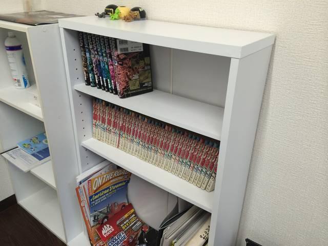 漫画や雑誌も置いてあります。