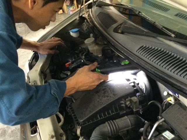 まじめに、ひたむきに、お客様のお車のために整備に取り組みます