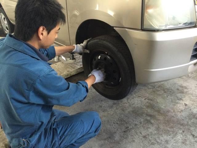 タイヤ交換も出来ます!当店で購入も可能ですので迷った際はご相談ください