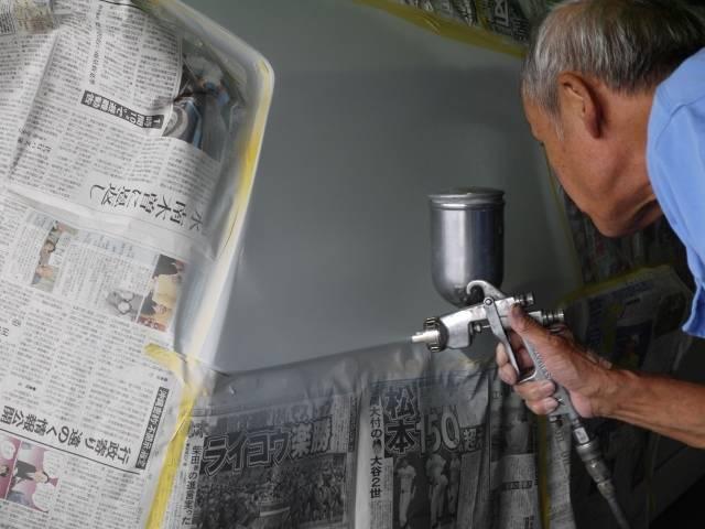 鈑金後の塗装作業も自社工場で施工可能!