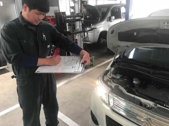2級国家資格整備士が3名!自動車整備のプロが作業いたします!