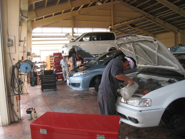 ご購入して頂いたお車は、当社整備工場にて整備させて頂きます。アフターメンテから修理まで対応致します。