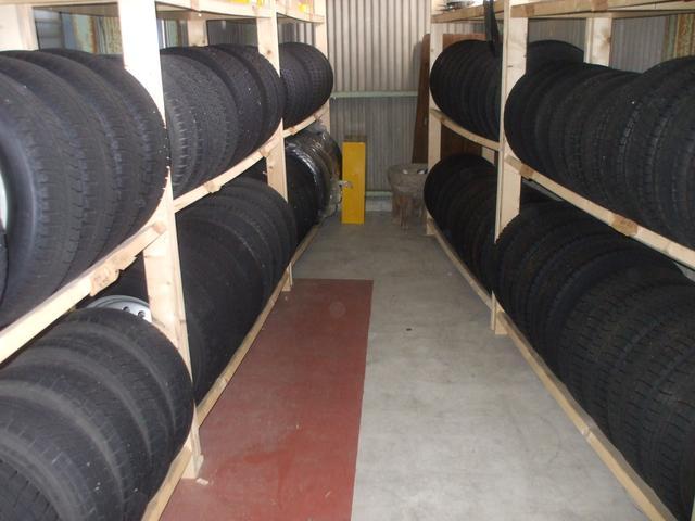 タイヤも交換したモノを保管しております!スペースに限りがあるのでお早めにどうぞ!