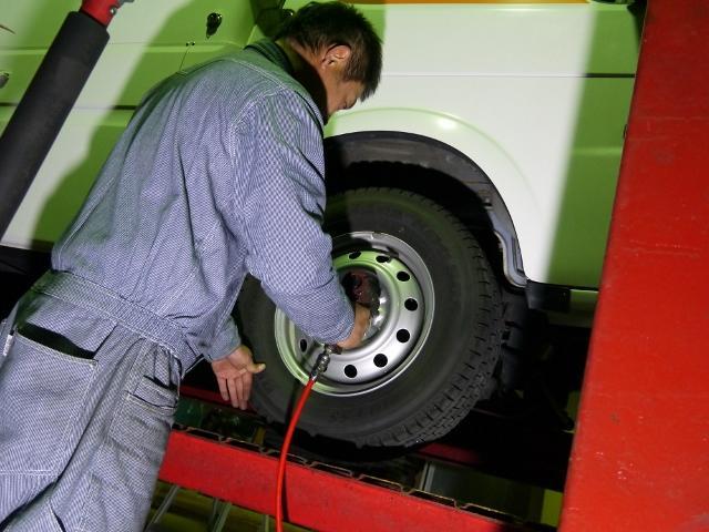 タイヤ交換だけでも大歓迎♪キャンピングカーのタイヤ交換も対応出来ます!