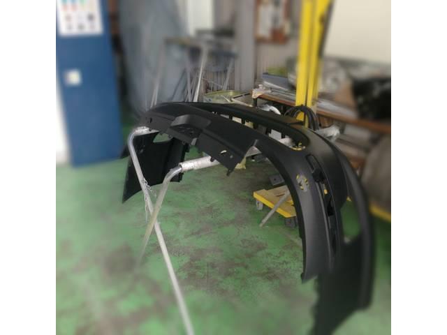 パーツ単体での修理、塗装も行います。部品持込修理も大歓迎です。