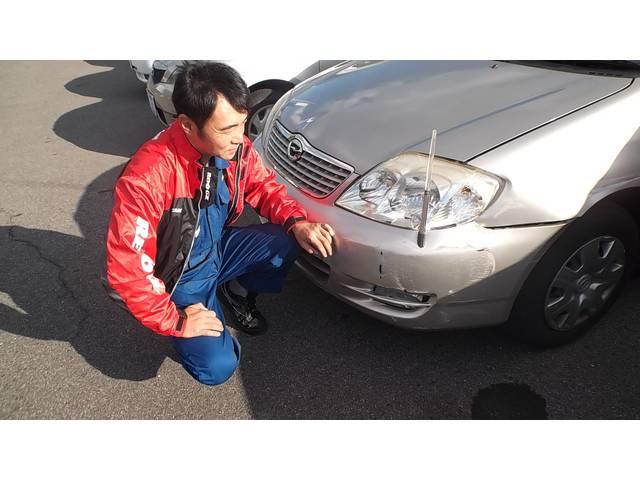 このキズをどう直すか・・・お客さまの予算や車に合わせたご提案を致します。