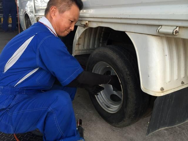 岡崎市で タイヤ交換はお手の物♪スタッドレス⇔ノーマルなどご相談くださいね☆