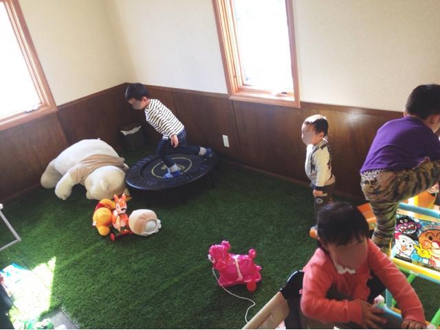 大型のキッズルームを完備!小さなお子様や元気なお子様がいてもゆっくりと楽しみながら時間を過ごせます。
