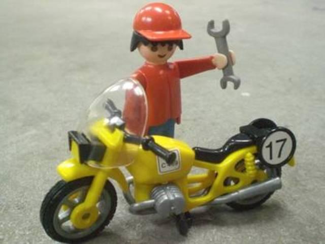 自動車はもちろん、バイクやスクーターの修理も承っております♪