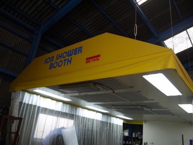 修理後の塗装作業もすべて自社工場内で行っております。