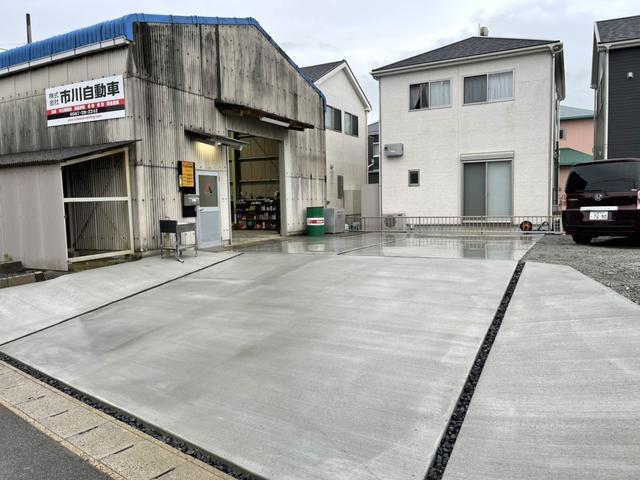 弊社は愛西倉庫を含めて第二倉庫・本社がございます。トータル450坪の敷地を保有しております。