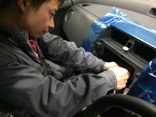 ナビやETCなど電装系の取り付けも得意技!お客様のドライブを便利にするアイテムも当店で!