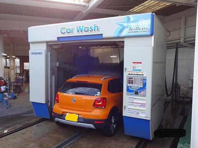 最新式洗車機も導入!整備後のお車もキレイにして納車します。