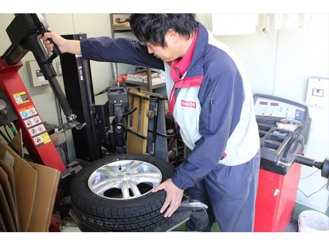 タイヤの履き替えやホイールの組み換えもお任せ下さい!