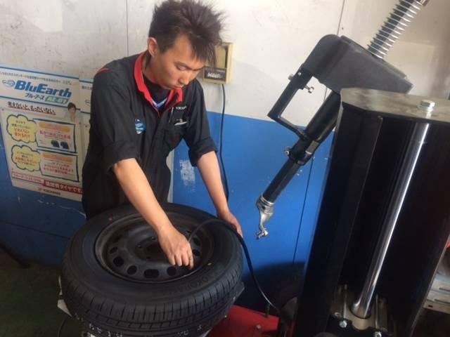 車の足!タイヤ交換。しっかりとしたチェックも行いますのでご相談ください!