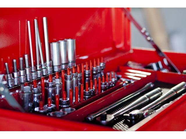 工具も取り揃えておりますので、殆んどの作業が可能です。