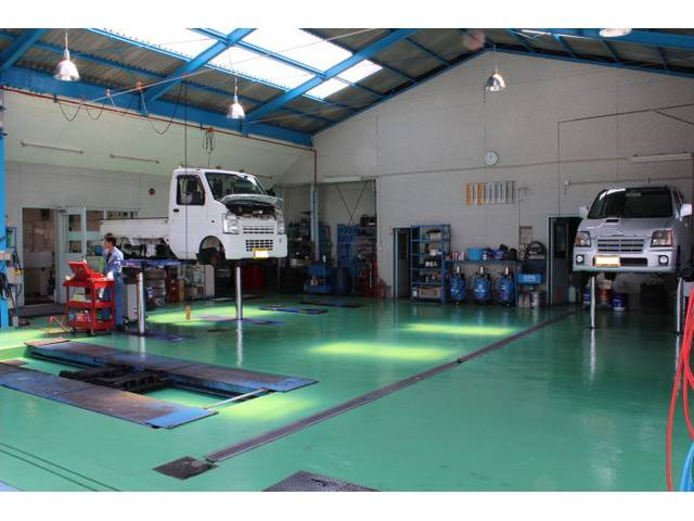 常にキレイな作業場を保つことで、質の高い整備を行います!