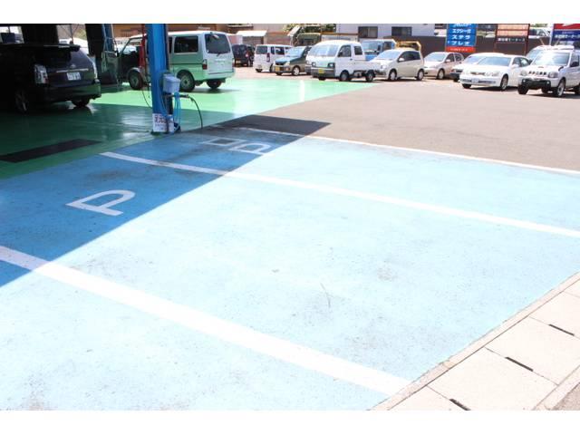 もちろん、駐車場完備でいつでもお越し下さい!