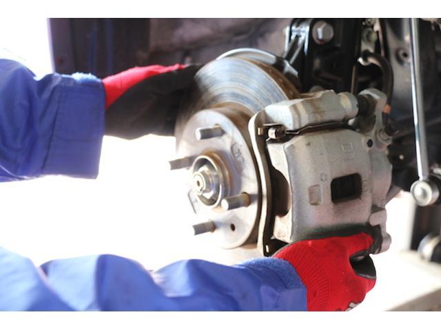 細やかな整備・修理が定番。当店がお車を購入していない方の入庫もお待ちしております!