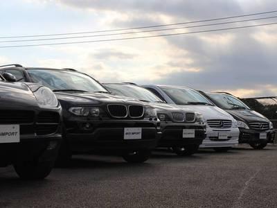 ディーラーよりの買取り車両も多数在庫!