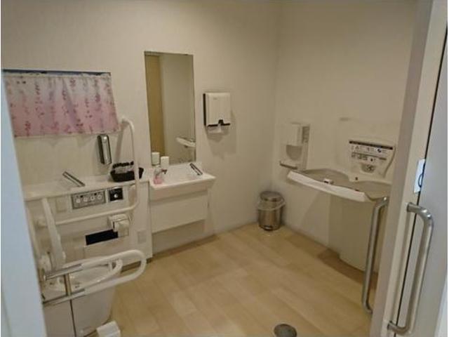 優先トイレも完備しておりますので赤ちゃんや小さなお子様も安心して同伴していただけます!!