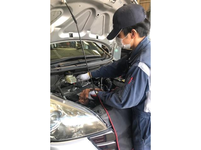 車両に1台1台にプロの整備士が点検をさせて頂きます。国産車はもちろん輸入車もお任せ下さい!