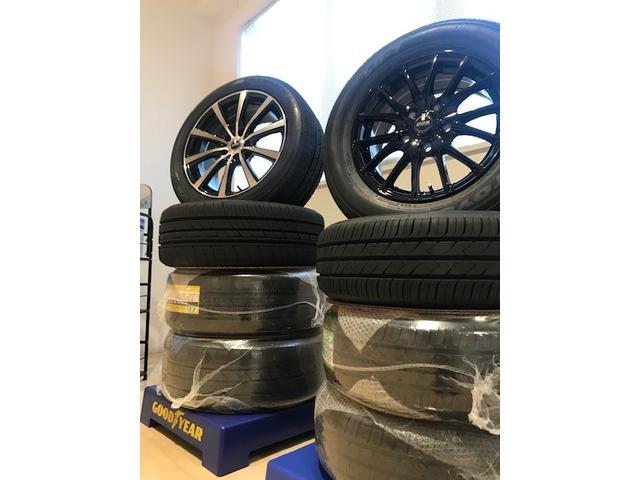アルミホイール付きタイヤの販売はもちろん。タイヤ交換も取り扱いあります。