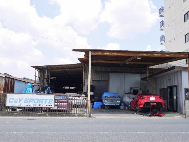 楽しむ用途やお客様のニーズに合った車造りをさせていただいています。