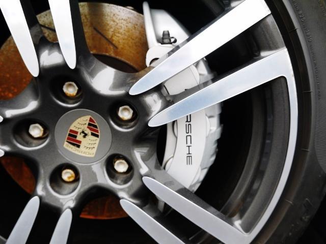 タイヤ・オイル交換等も迅速に対応いたします。