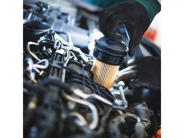 車検・タイヤ交換・コーティング・オイル交換など、お困りごとがありましたらお気軽にご相談ください。