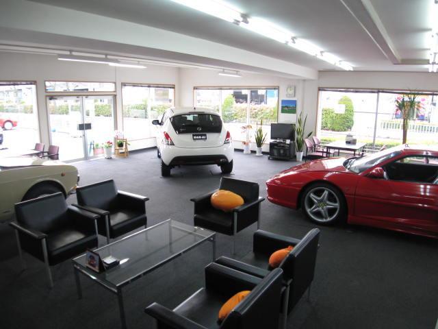 当店は品質にこだり、厳選した車を販売しております。マニアックな車も揃えております!ぜひご来店ください