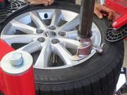 タイヤ交換は事前にご予約いただくと助かります