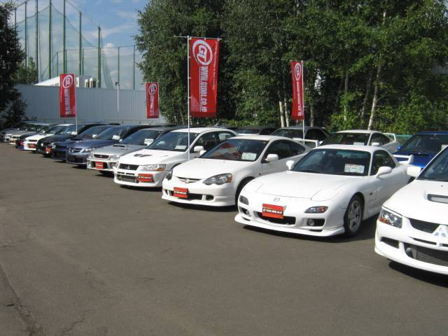 スポーツカー専門店ならではの買取・下取・無料出張査定やおトクな中間マージンレスの直販システムを展開。