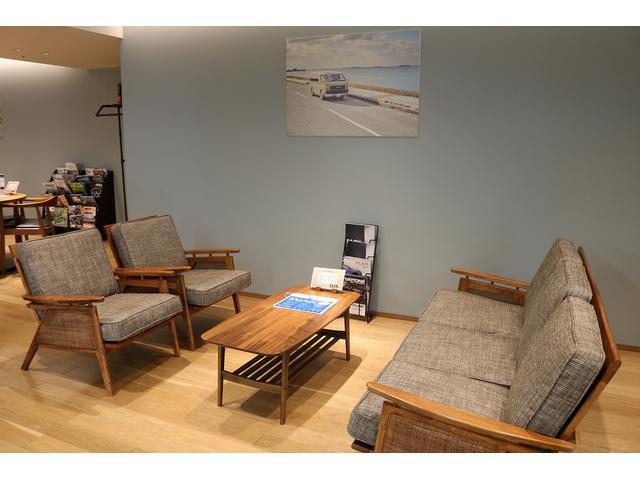 商談室はお客様にゆったりとしていただける空間となっています!