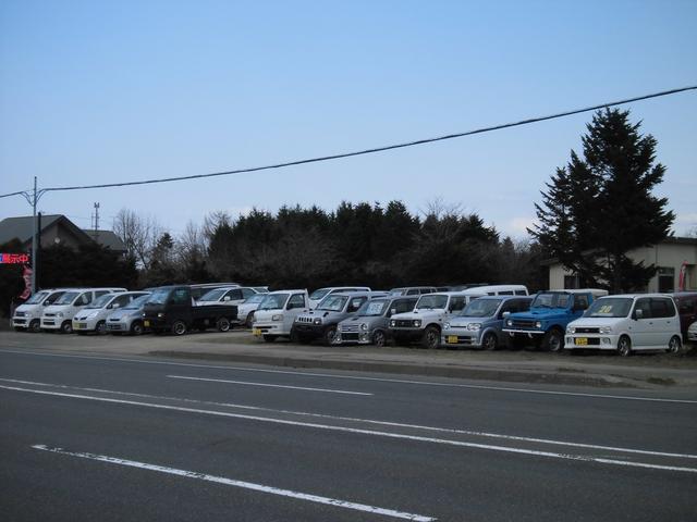 のどかな場所でゆったりお車をご覧いただけます。皆様のご来店、スタッフ一同お待ちしております。